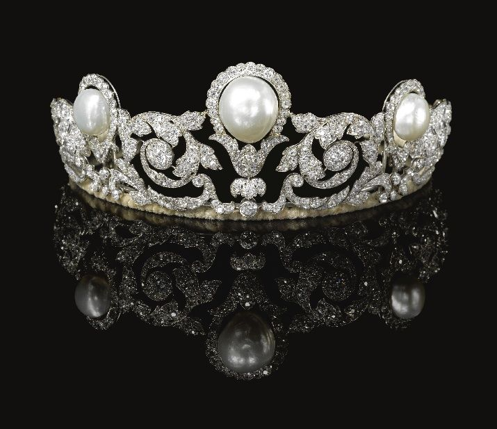 Pearl & Diamond Tiara, Chaumet, 1920.  The Murat Tiara.  Natural pearls.