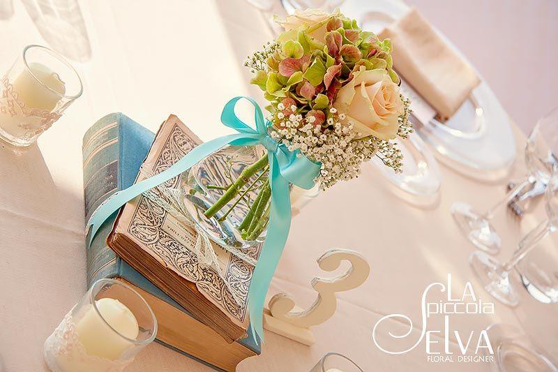Super centrotavola matrimonio libri - Cerca con Google | Tableau mariage  IT32