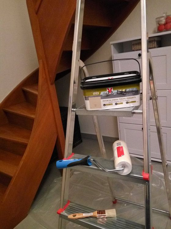 Comment Repeindre Facilement Un Escalier En Bois Escalier Bois Repeindre Escalier Peindre Escalier Bois