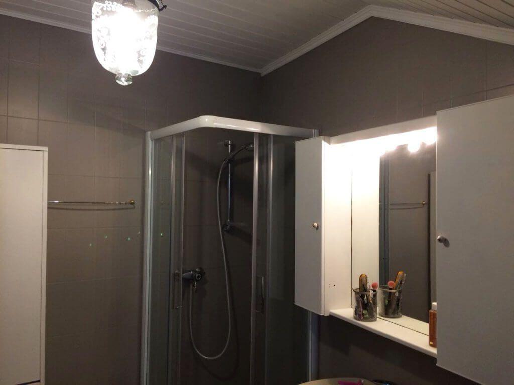 Lack Von Painting The Past Misspompadour In 2020 Fliesen Streichen Kreidefarbe Badezimmer Streichen