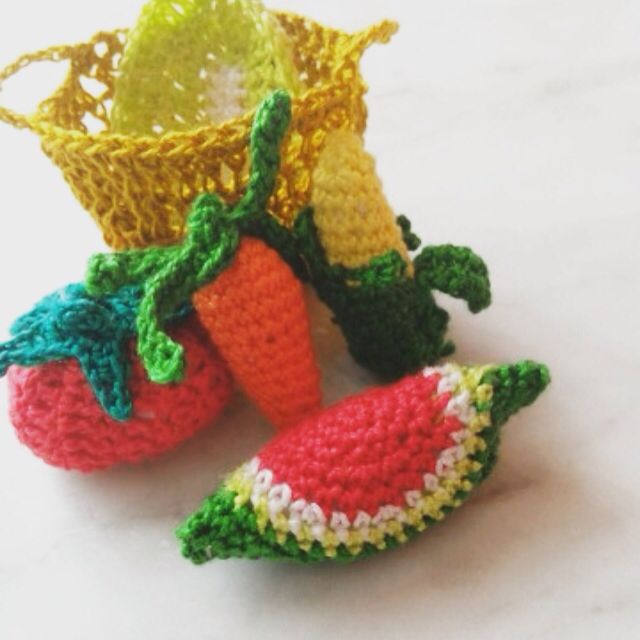 crocheted vegetables, fruit in a basket (carrots, lettuce, tomato, corn, watermelon), 100% cotton, filled with synthetic padding