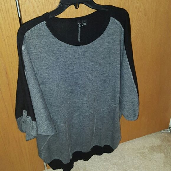 Relativity sweater Black and gray sweater. Only worn a few times. Relativity Sweaters Crew & Scoop Necks