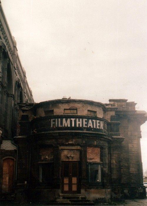 http://piccsy.com/2012/03/film-theater/