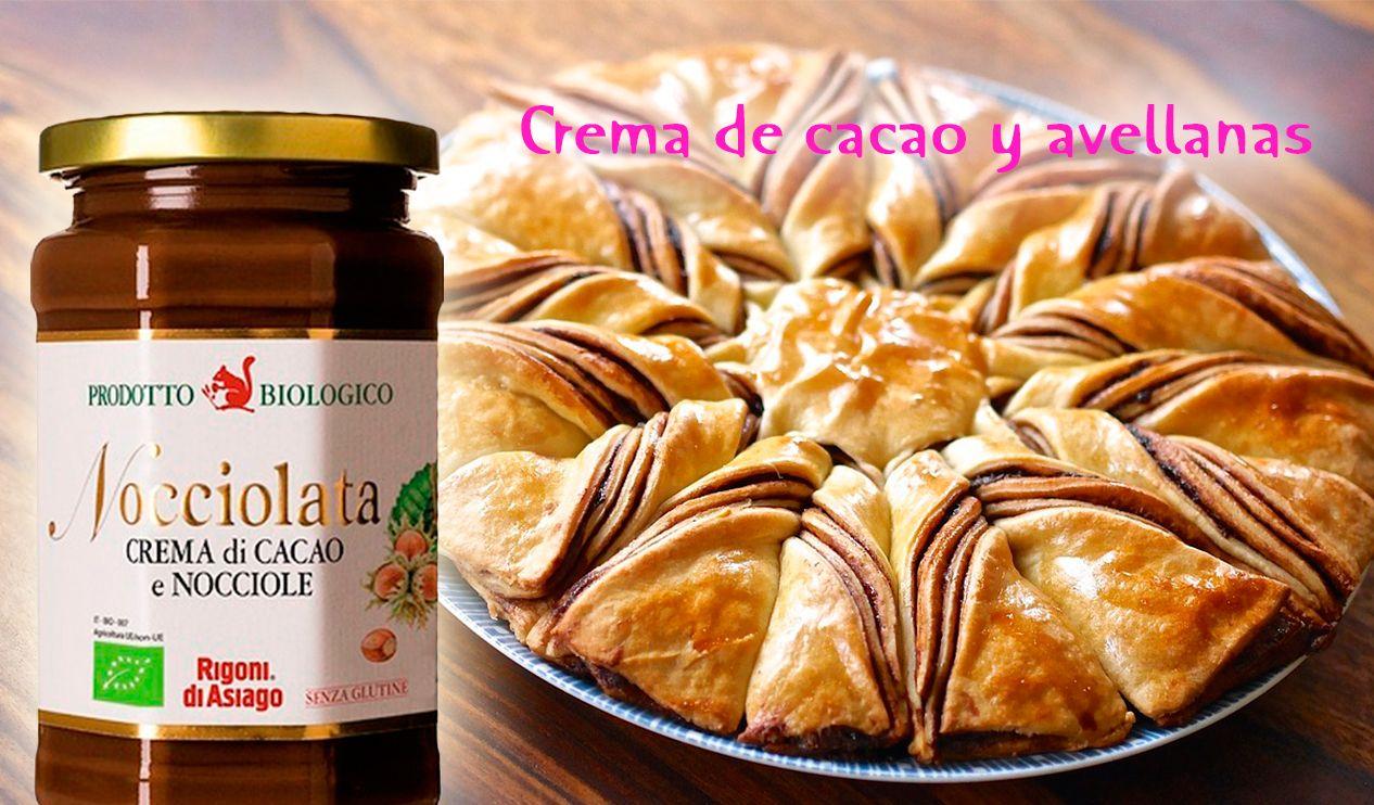 Nocciolata: una deliciosa crema de cacao y avellanas. Descubre la suave y exquisita textura del #chocolate italiano.