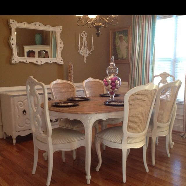 French Dining Room Set: Gorgeous French Provincial Dining Set For Sale....$1500