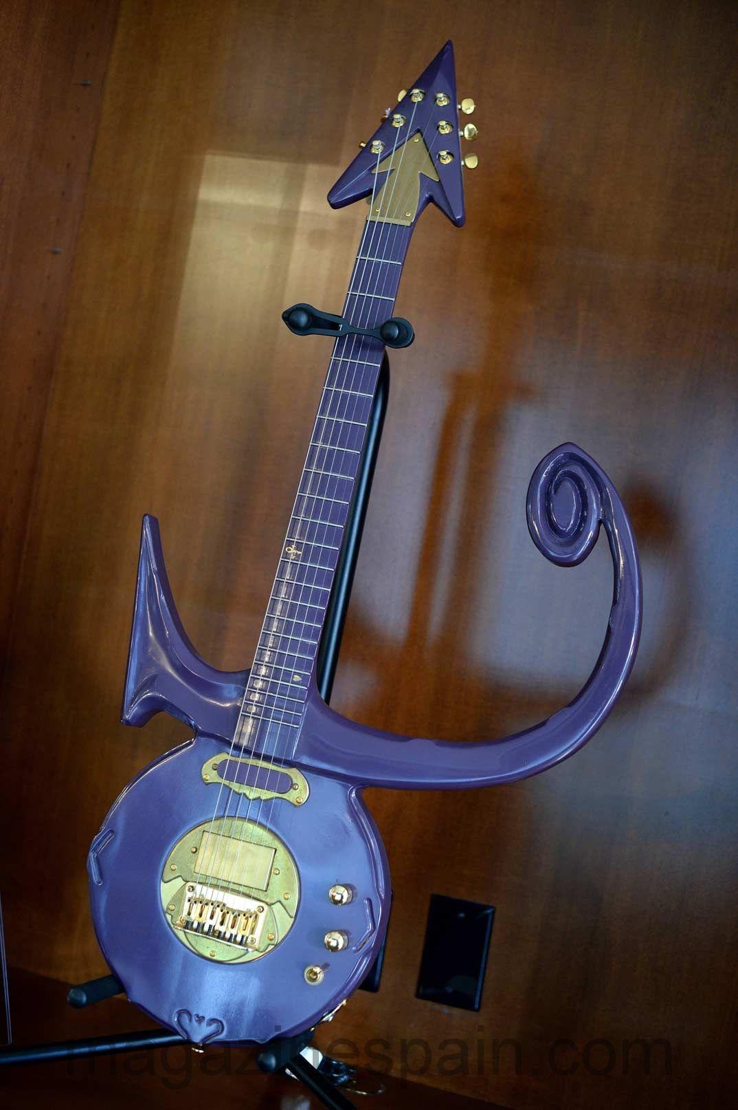 Prince love symbol guitar cultura y ocio pinterest symbols prince love symbol guitar buycottarizona