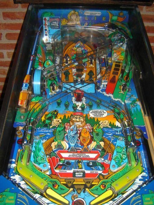 Fish Tales Pinball Machine by Williams   FREE BALL when LIT