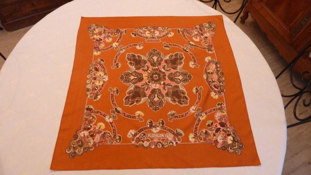 Superbe Carré HERMES soie avec sa boîte. anémones  couleur orange brun  rose. TBE   Vêtements, accessoires, Femmes  accessoires, Echarpes, châles    eBay! f6560fbc94b