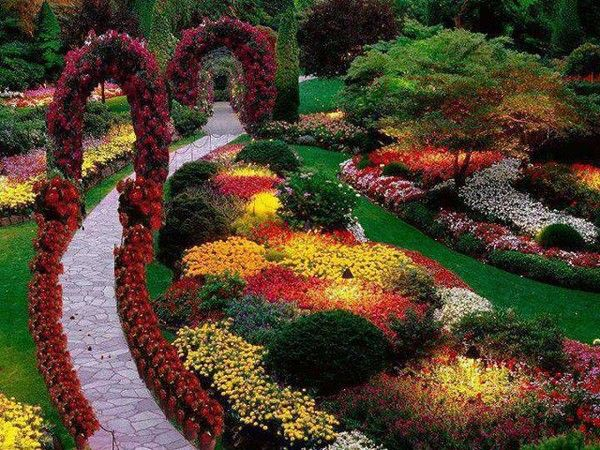 beau jardin fleuri fleurs pinterest beaux jardins fleuri et jardins. Black Bedroom Furniture Sets. Home Design Ideas