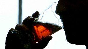 Una prueba revela el daño que causa el alcohol