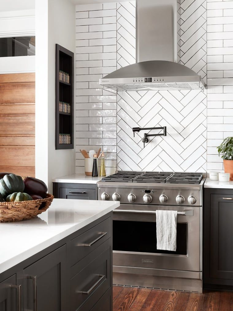 The 10 Most Brilliant Kitchen Design Ideas Chip And Joanna Ever Had On Fixer Upper In 2020 Kitchen Wood Design Kitchen Cabinets Decor Kitchen Remodel