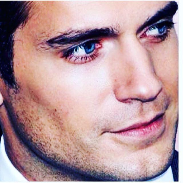 #henry😏#babyblueeyes#sointense#sosexy#soserious#sonice#sohandsomeithurts#chiselledfeatures#greekgod#charmingprince#stunningview#wowgorgeous#mischivioussmile#dashingdukeofsuffolk#superduper#supes#supermanisback#clarkkent#kalel#wowwowwow‼# @henrycavill  hello handsome 😘
