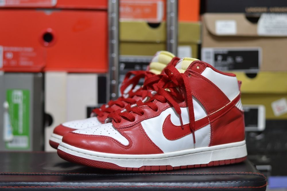 various colors 87d94 7015f RARE Men s Size 9.5 Nike Dunk High LE St. John White Red (1999 Release)