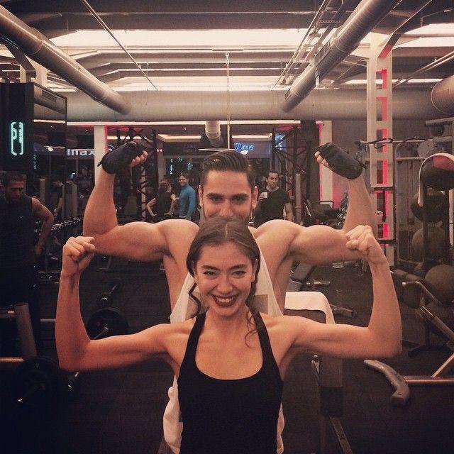Kadir Dogulu On Instagram Bakmayin Yarim Ekmek Yedigine Neslihanatagul Spor Fitness Aktrisler Spor Cift