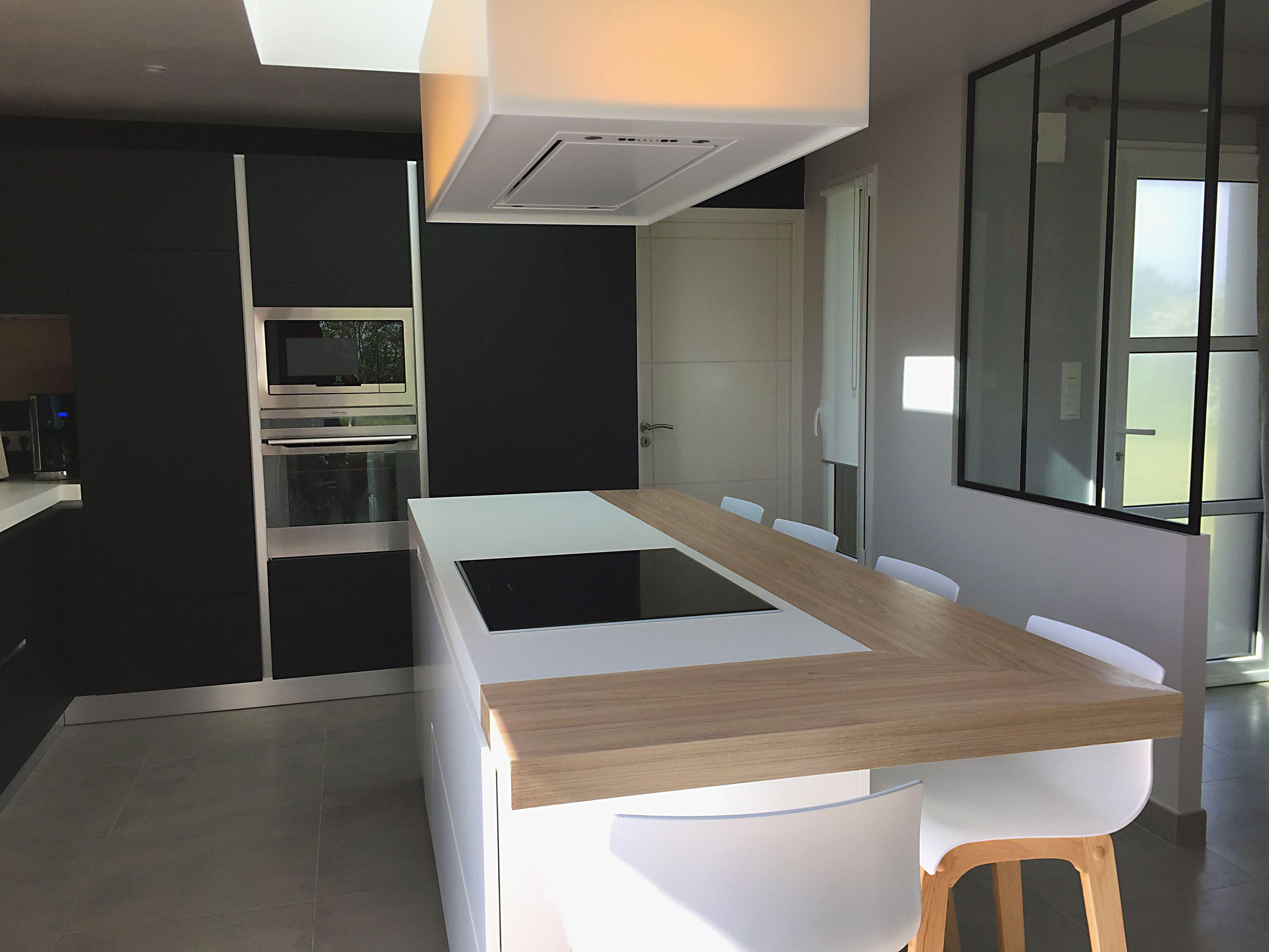 cuisine fenix noir mat et plan ceramique blanche cuisines fenix pinterest c ramiques. Black Bedroom Furniture Sets. Home Design Ideas