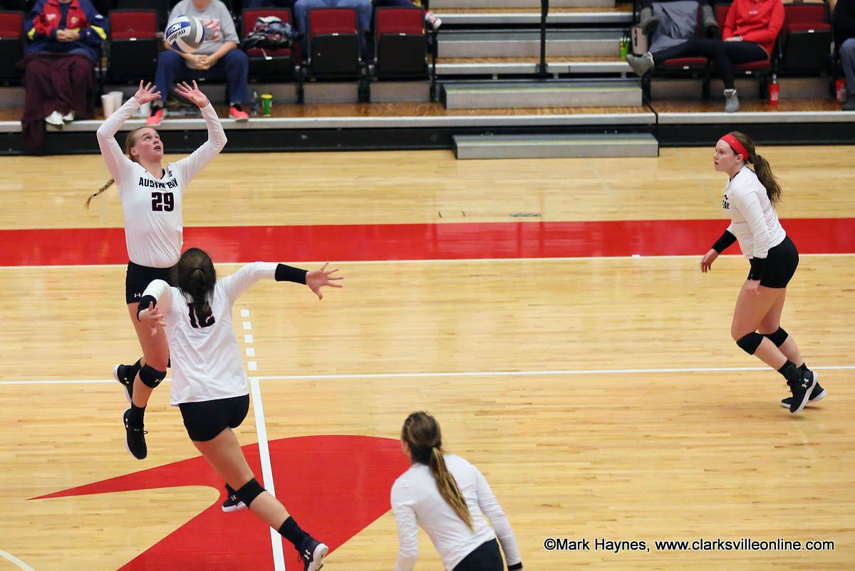 Apsu Volleyball Gets Crucial Four Set Win At Tennessee State Volleyball Tennessee Volleyball Team