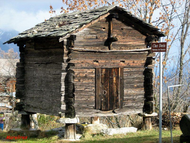 Mazot valaisan maison pinterest suisse vieux bois et cabanes - Cabane jardin valais besancon ...