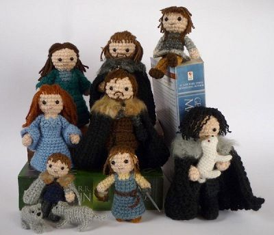 Fuente: http://nerdapproved.com/approved-products/cuddle-the-starks-of-winterfell/