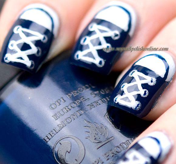 Sporty Nails – Nail Art Ideas http://bit.ly/1yJB0kP #tendenze #nails #unghie #tentazioneunghie