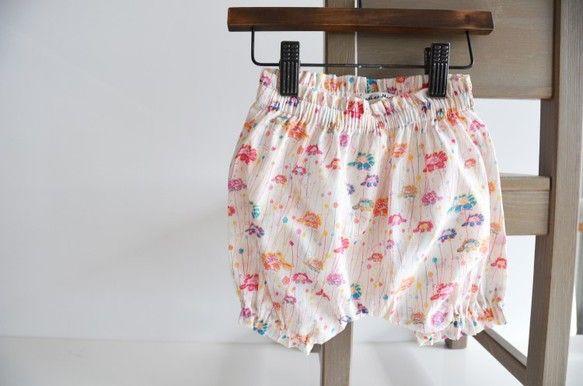 小さな女の子がデザインしたことでも話題になったEmm(エム)という名前の、かわいい花柄のリバティ生地で作った子供用のかぼちゃパンツです。リバティの柄のたくさん...|ハンドメイド、手作り、手仕事品の通販・販売・購入ならCreema。