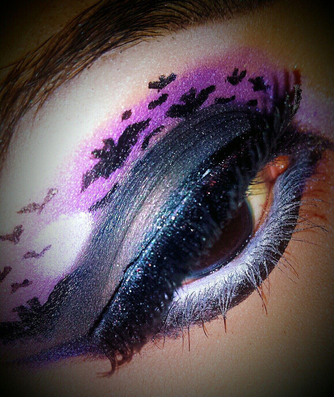 Makeup Bats at night violet black and bats