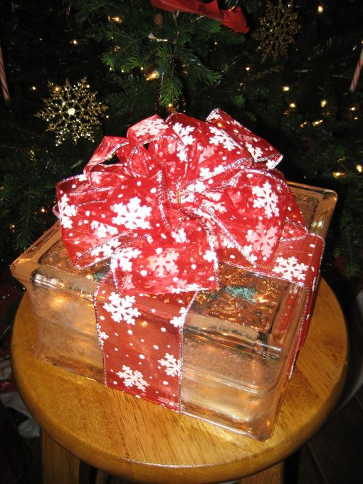 illuminated glass block christmas present holiday decorating ideas hgtv share my craft - Glass Block Christmas Decorations