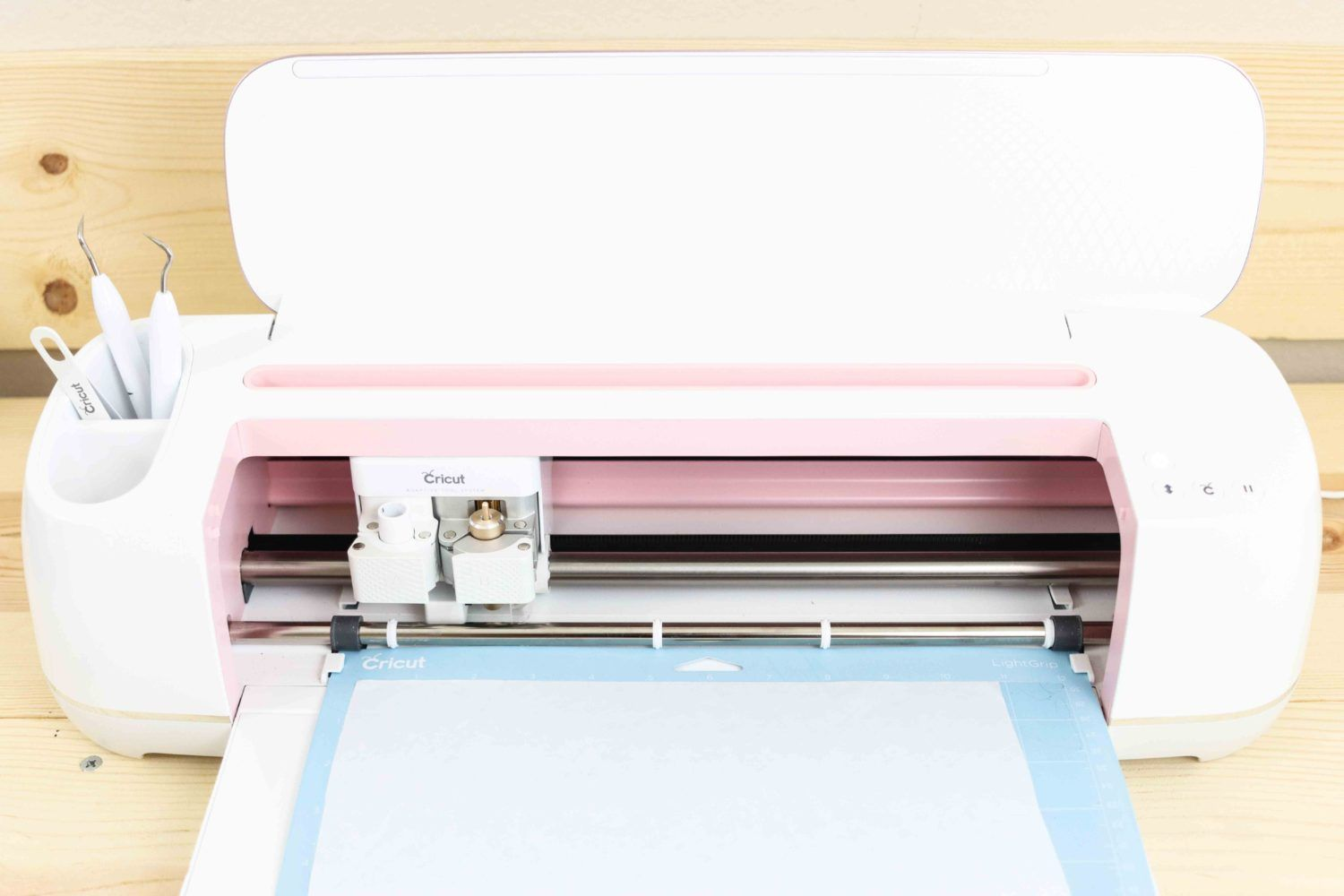 Diy freezer paper stencils with or without your cricut