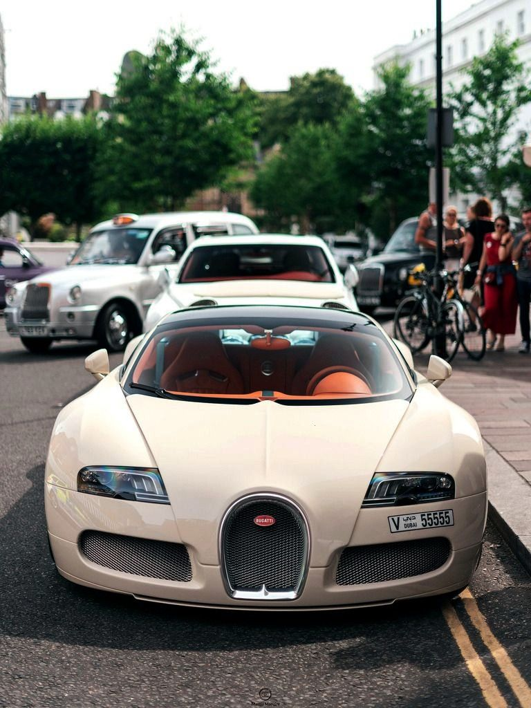 "Most Photographed Veyron ""Bugatti Veyron at Harrods,... -The Most Photographed Veyron ""Bugatt"