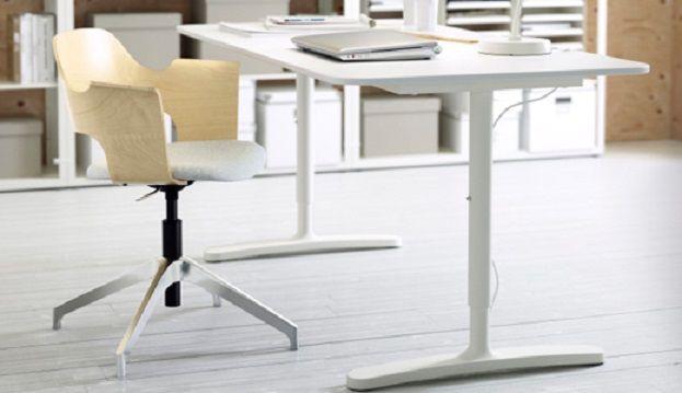 Ikea komt met betaalbaar elektrisch in hoogte verstelbaar bureau