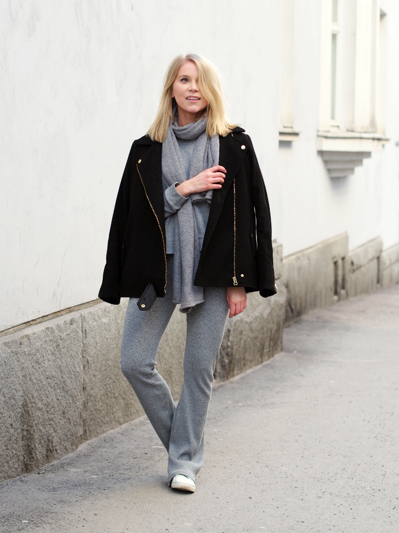 LACK OF COLOUR / All grey + flares outfit