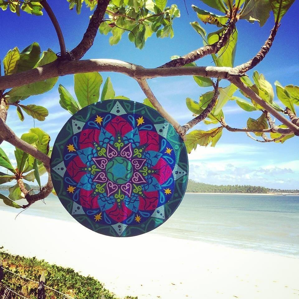 Iemanjá.. Sai do Mar.. Vem buscar sua iaô.. Odoyá! Ôia oiá..  A Mandala para Iemanjá chegou em Pernambuco, e já está em seu devido lugar.. Vibrando forte energia sutil, de Paz e Bem, e de Amor.. Salve Odoyá! #ImagineUtopia #MandalaImagine #Mandala #Iemanjá #SalveOdoyá #OdociabanofundodoMar