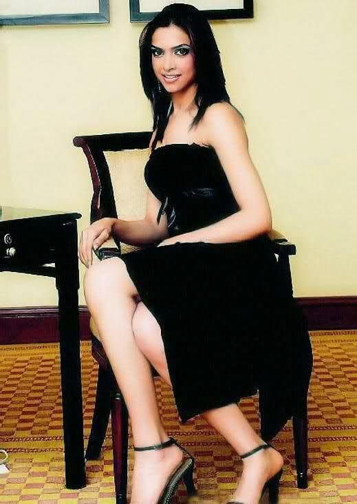 Deepika Padukone Biography 4 | Deepika padukone, Dresses ...
