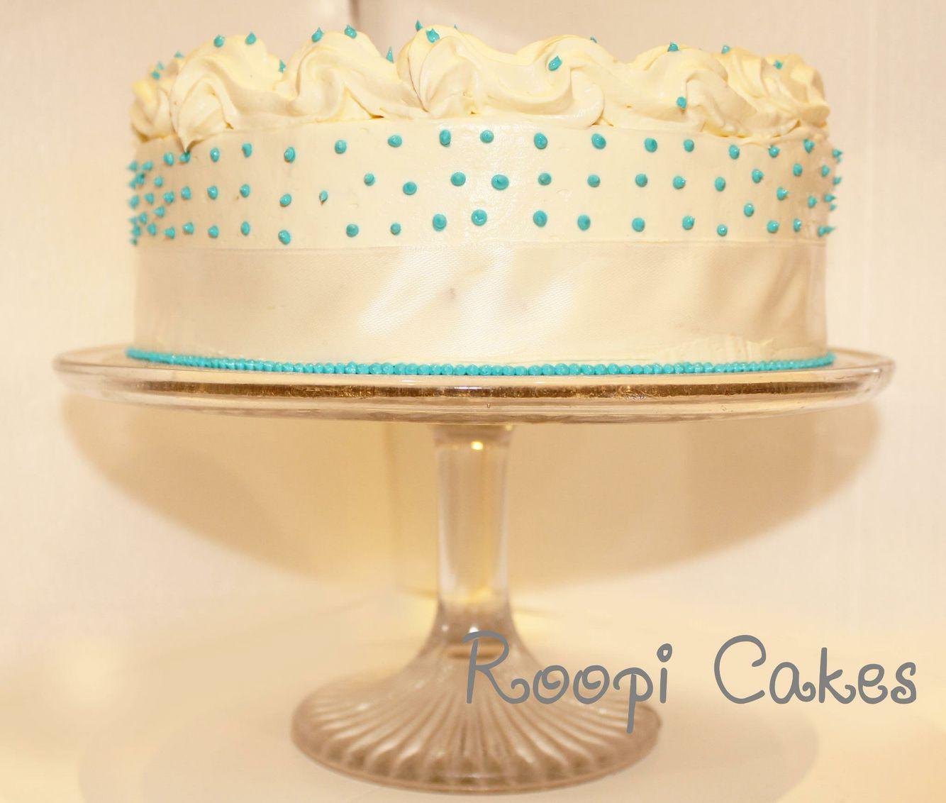 Elegant eggless freshcream wedding anniversary cake | Roopi Wedding ...