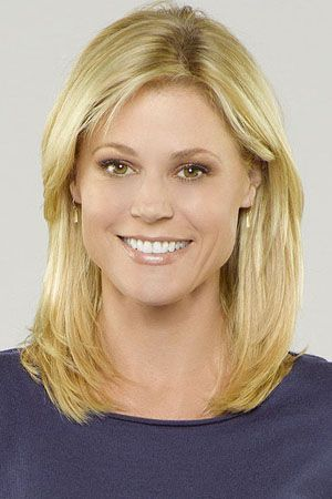 Modern Family Julie Bowen As Claire Dunphy Julie Bowen Hair Mom Hairstyles Julie Bowen