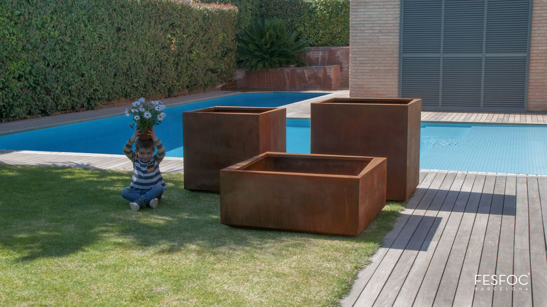 El modelo de maceteros kubik es ideal para la decoraci n for Jardines exteriores