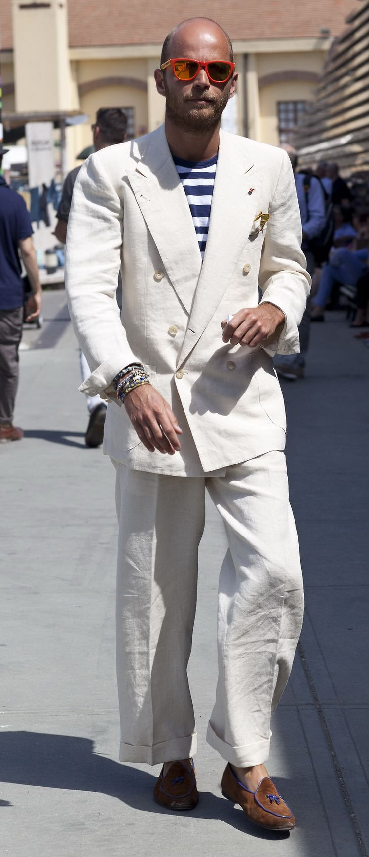 Show Off White Linen Suit Composed Of A Coat With Turnback Cuffs