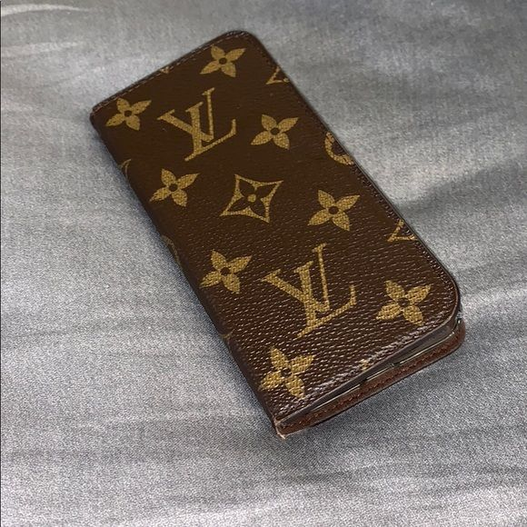 factory authentic 84901 45a32 Louis Vuitton Iphone 7 Phone Case In great condition! The clear case ...