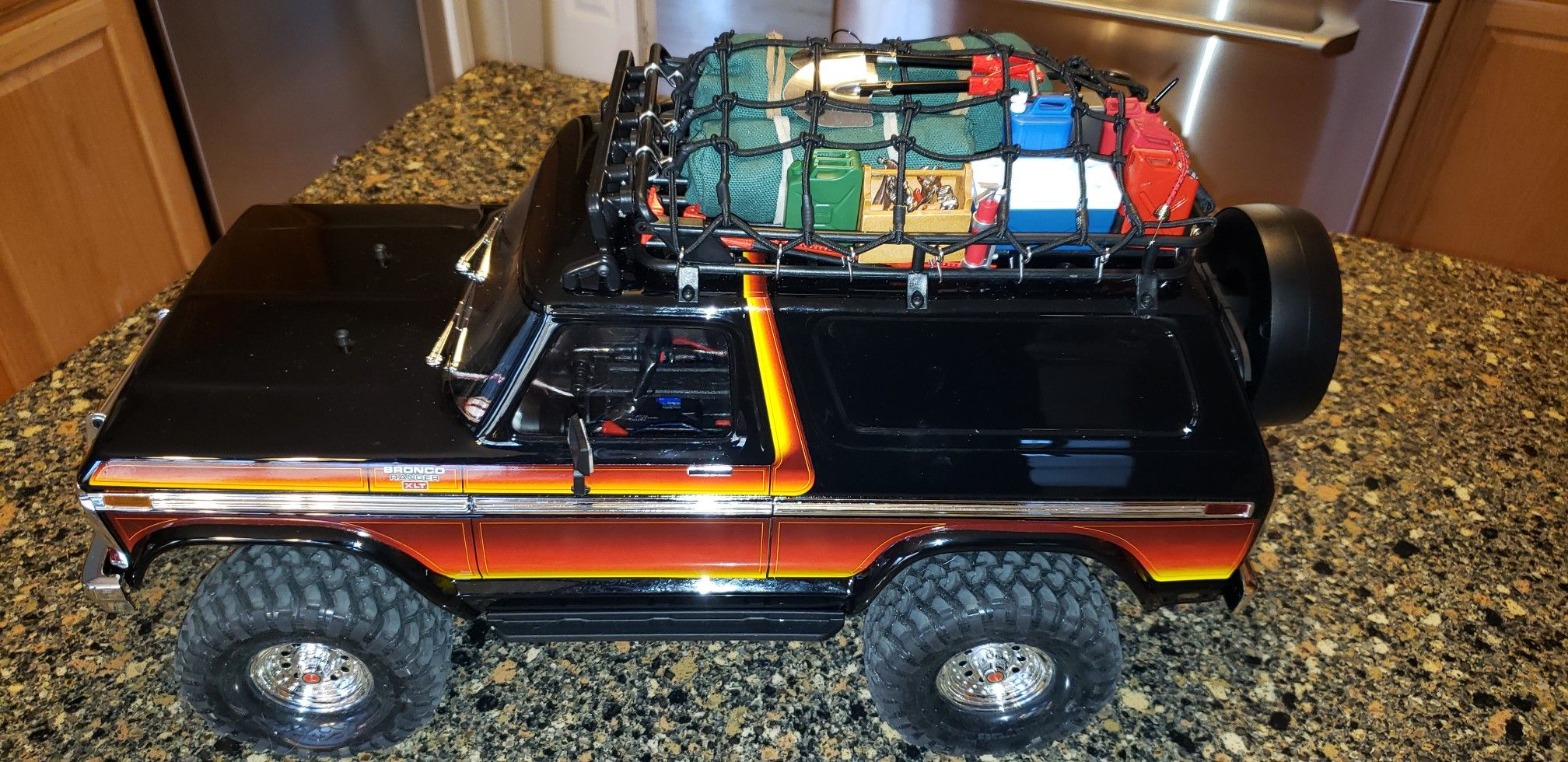 Traxxas Trx4 Ford Bronco With Roof Rack Cargo Net Roof Mount Light Bar And Many 1 10 Scale Accessories As Going Super Scale Out On This Vintage 1979 4x4 Craw