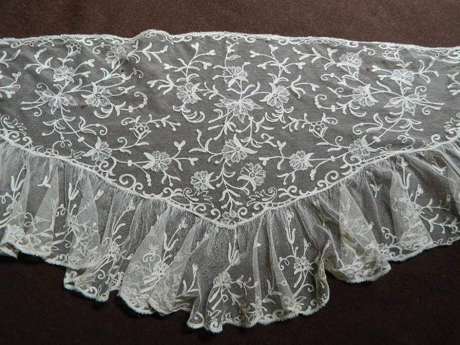 Country house antique Victorian cream Tambour embroidered net lace shawl /stole