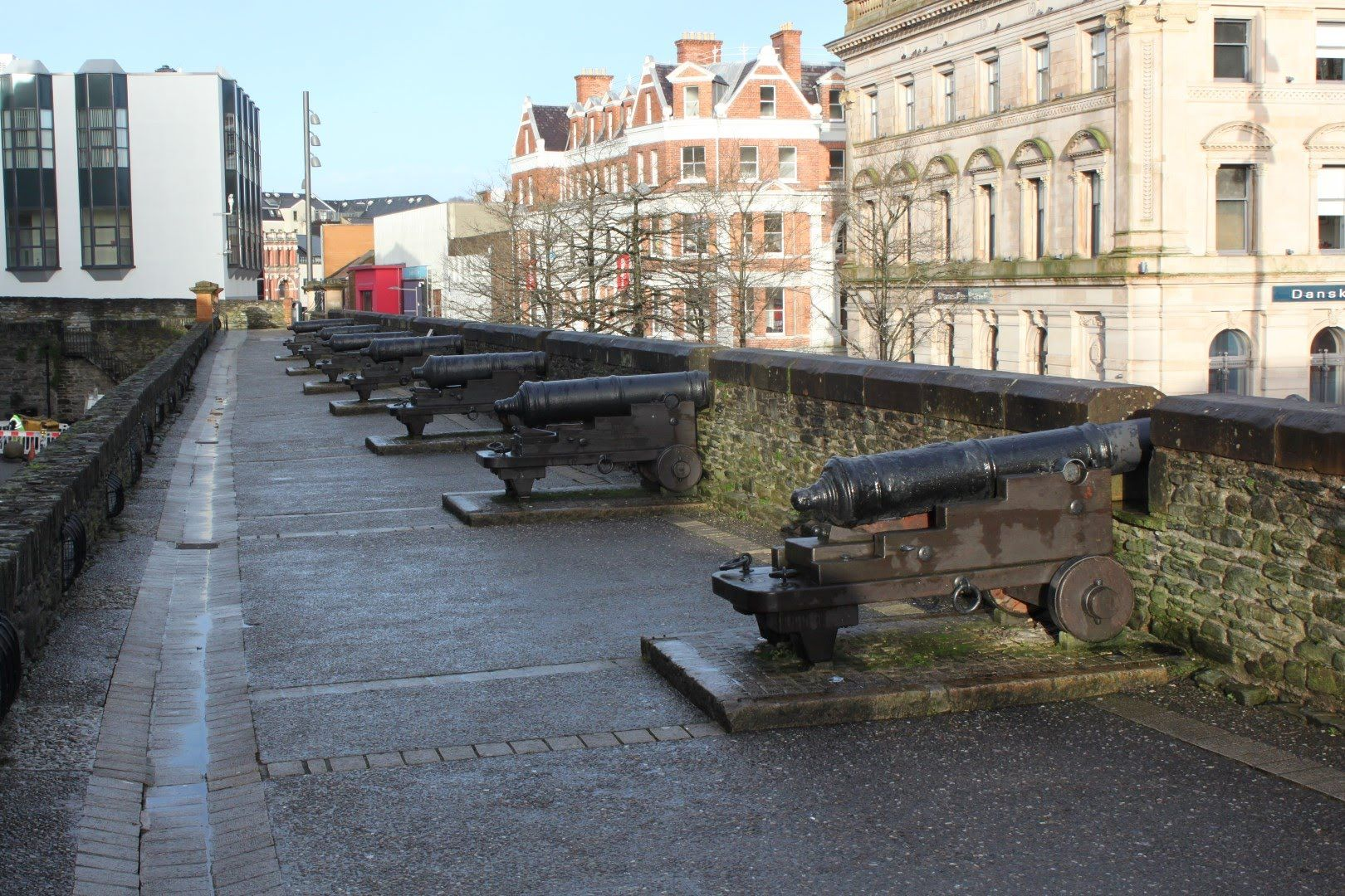 The Walled City of Derry - Londonderry | Walled city ...