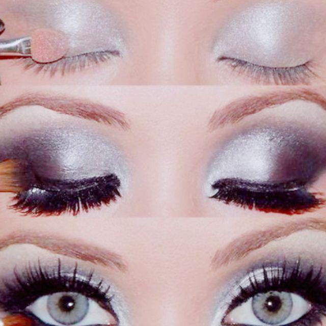 Pretty black and white eye makeup!