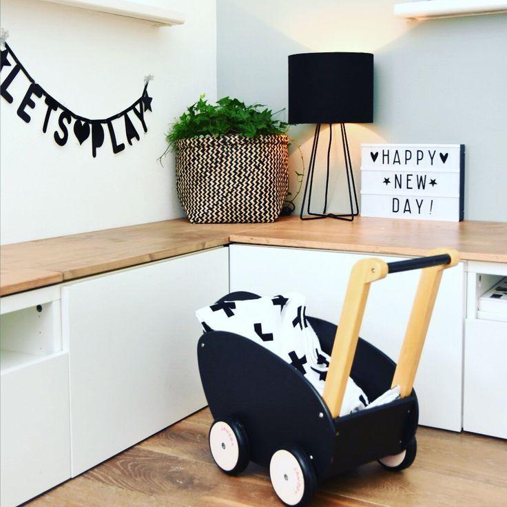 Speelhoek in de woonkamer - Hoek bij haard | Pinterest - Speelhoek ...