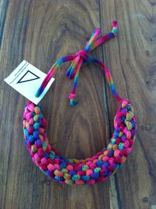 Stoffketten - Halskette Statement gestrickt DIY Recycling Bunt - ein Designerstück von Miimiipaa bei DaWanda
