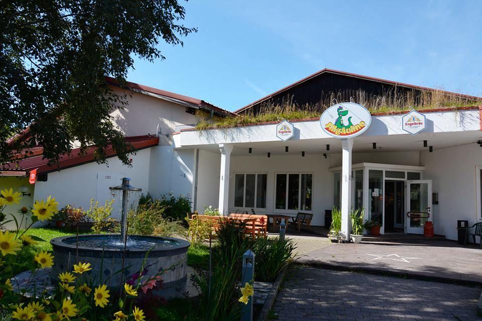 Das Allgaulino Ein Indoorspielplatz In Wertach Bietet Familien Auf Uber 3 000 Qm Spielspass Beim Herumklettern Erobern Hotel Sonne Hotel Indoor Spielplatz