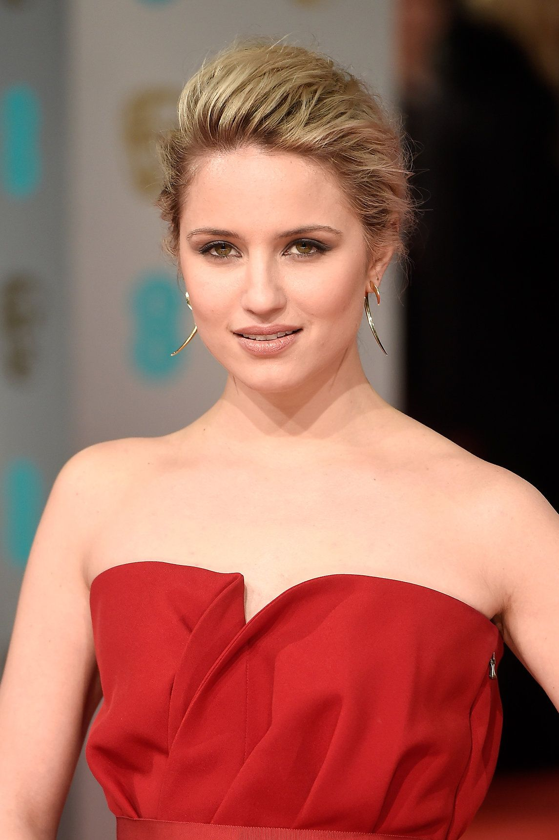 Feminine, romantic, and a contradiction of soft while strong.  #DiannaAgron  See stylingsmith.com