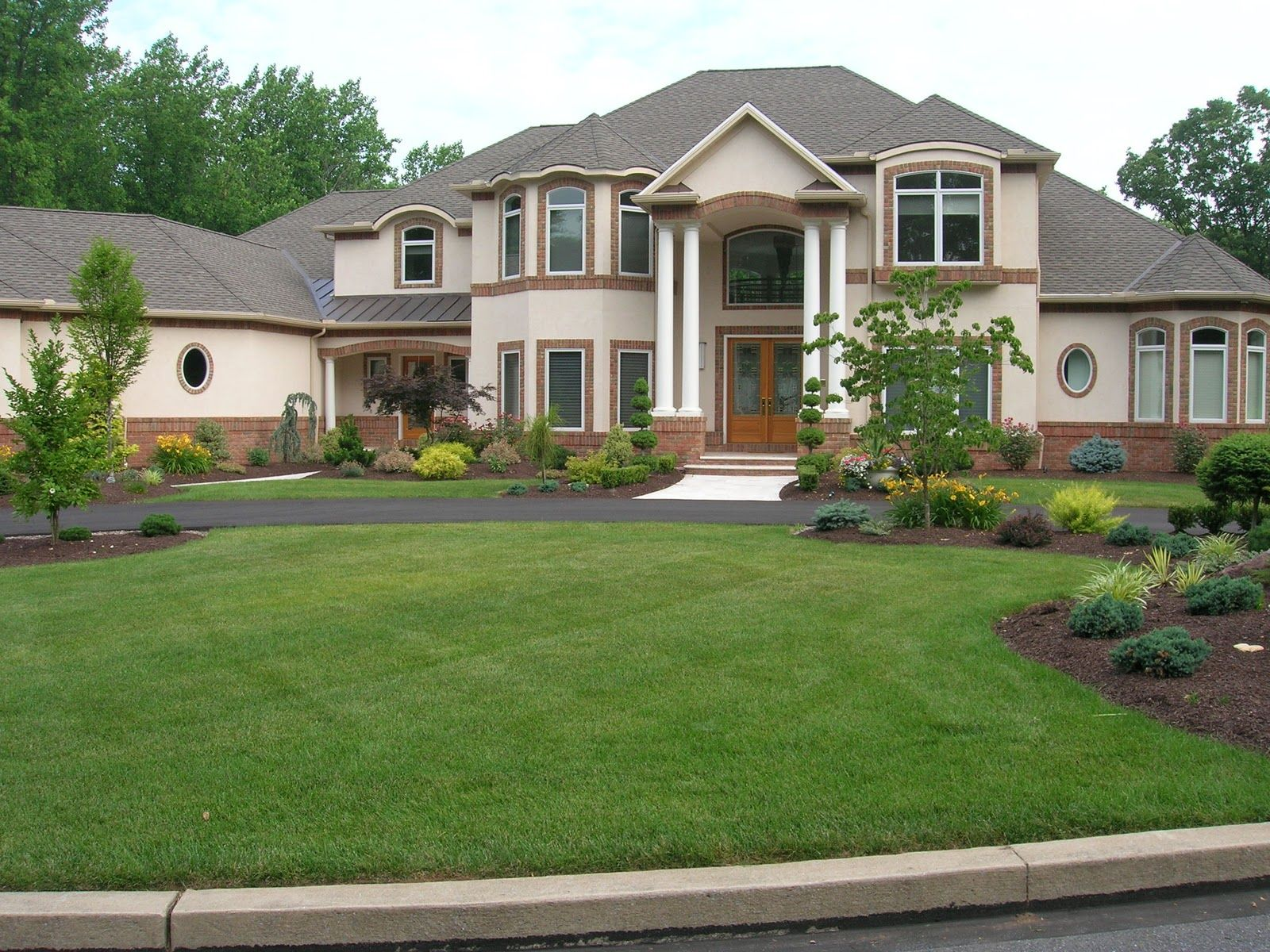 pictures of landscaping for a rambler house in mn importance of landscape ideas - Home Landscape Design Ideas