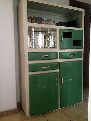 Credenza anni \'50 bianca e verde | Pinterest | Credenza, Verandas ...