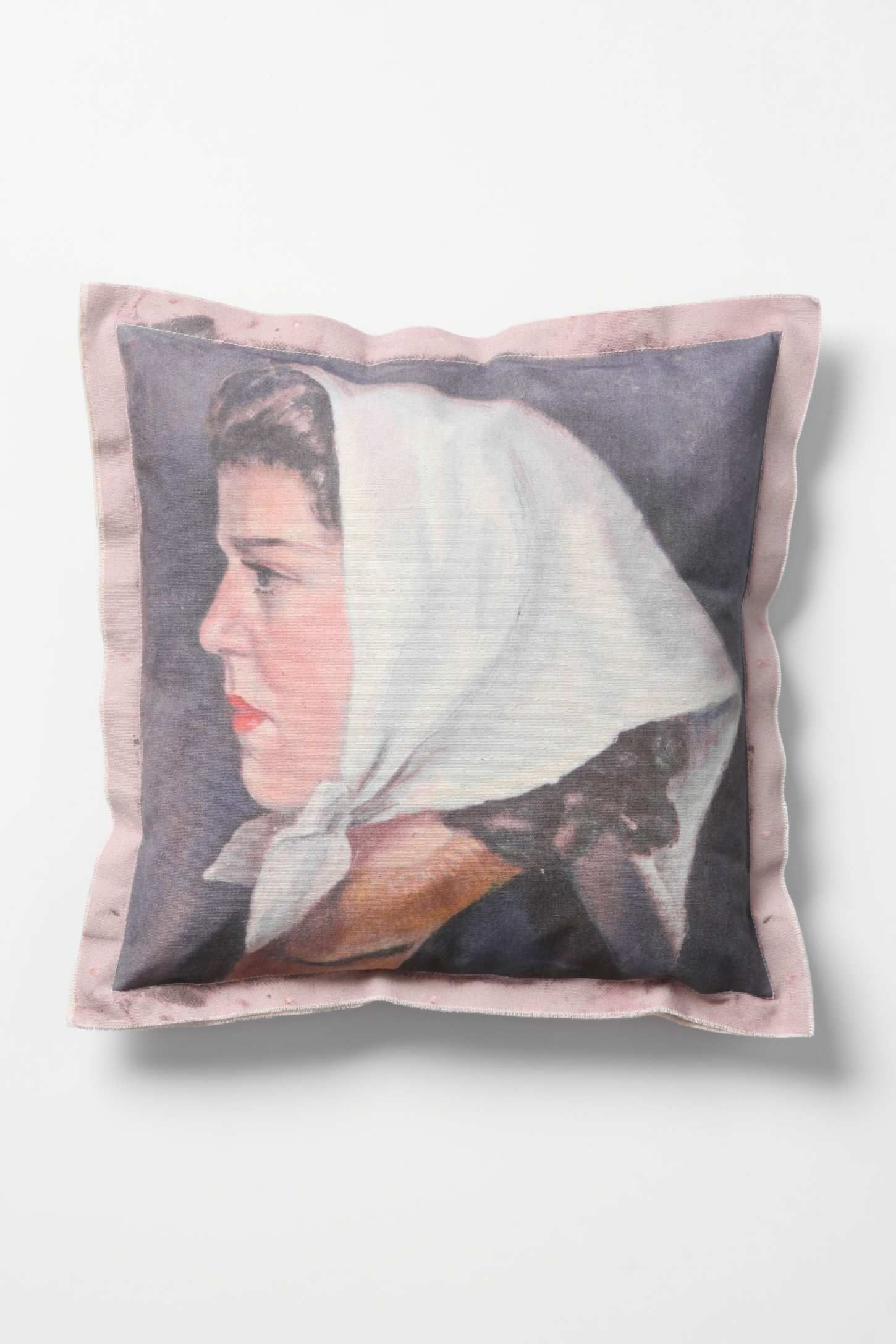 anthropologie portrait pillow adore pinterest. Black Bedroom Furniture Sets. Home Design Ideas