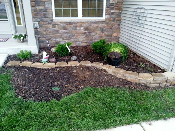 kleinen garten geschmackvoll gestalten grass und steinen vorgartengestaltung beispiele. Black Bedroom Furniture Sets. Home Design Ideas