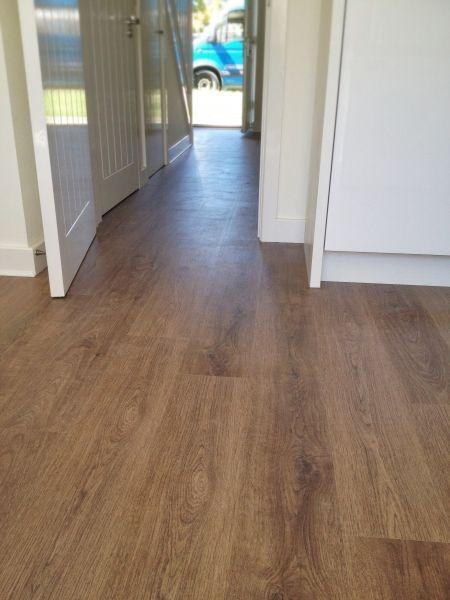 Modern Dark Oak Laminate Flooring Flooring Oak Laminate Flooring Floor Plans Ranch